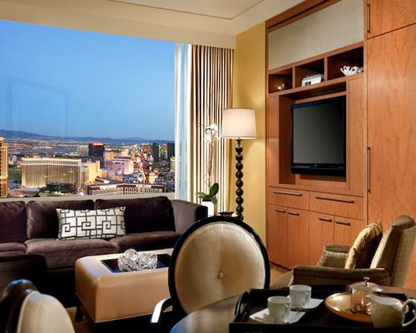 Beautiful One Bedroom at Trump International