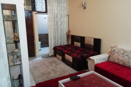 Rahul's Mansion with Lavish Stay