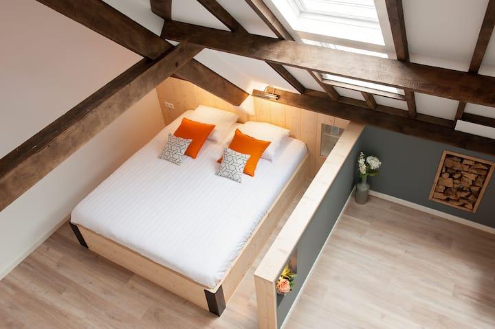 Private modern condo on Cheesefarm  near Utrecht
