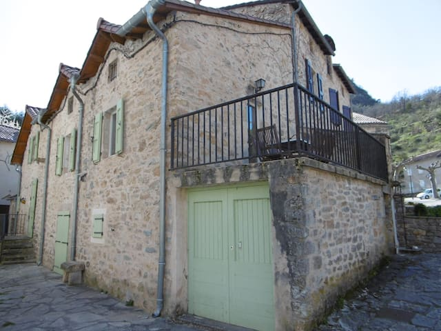 LE PEYREBELIN - Peyreleau - Holiday home