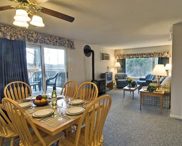 Mountainside Resort at Stowe 2BR