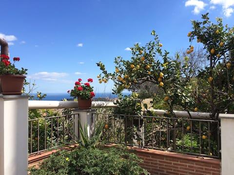 SEA View Loft w/ PARKING - Catania