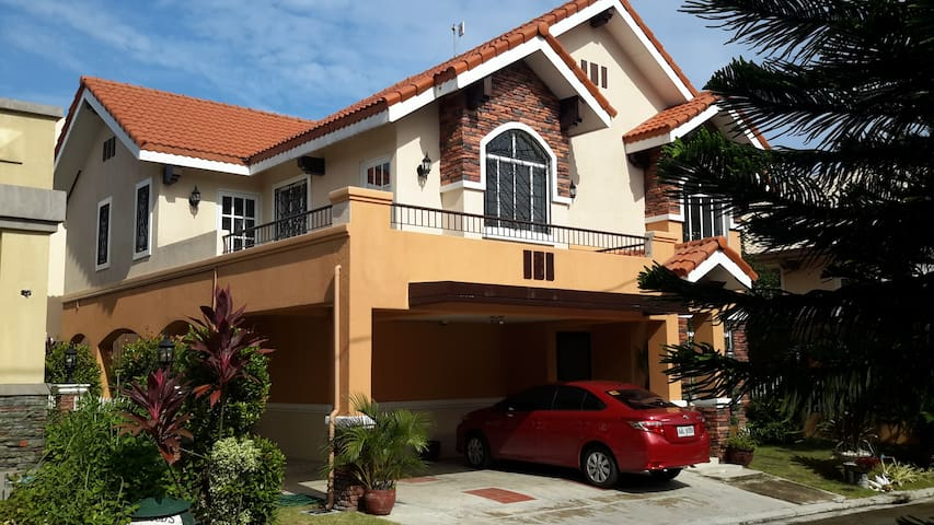 Spacious and Cozy Vacation Rental Property - Dasmariñas - Huis