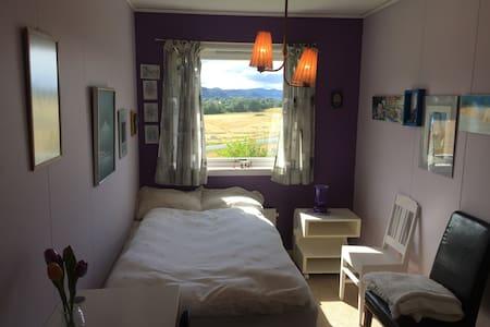 Komfortabelt rom med mange fasiliteter i Hegra - Hegra