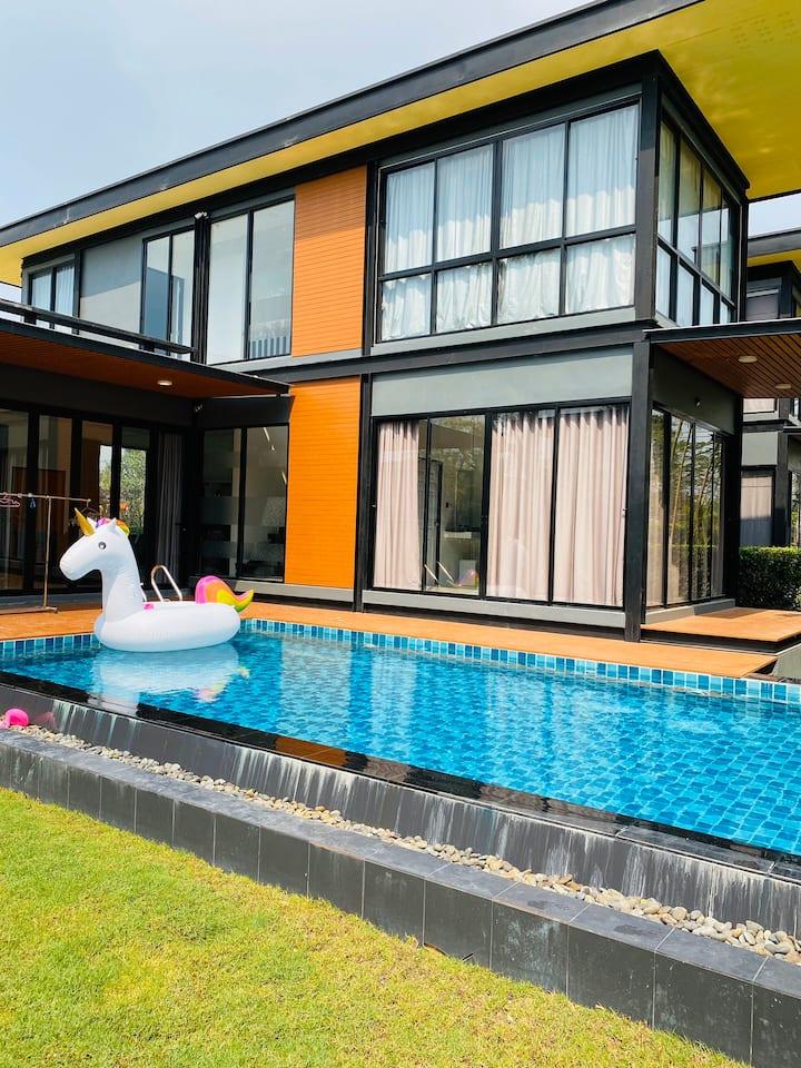 Pattaya YD Pool Villa 独栋泳池别墅