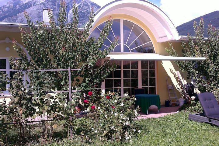 Ruhige Alpenvilla am Inn