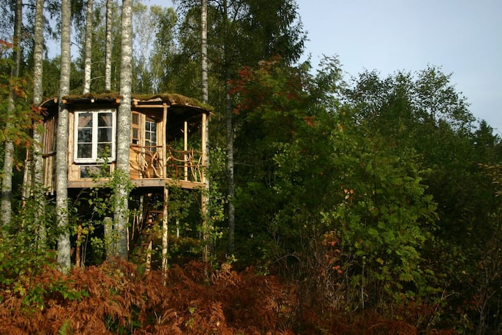 Bluesberry Woods Treehouse