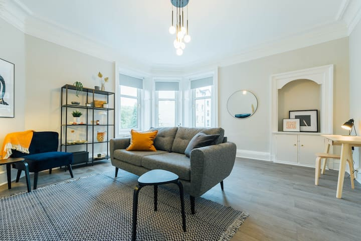 Simply Stunning Stylish Stirling Apartment