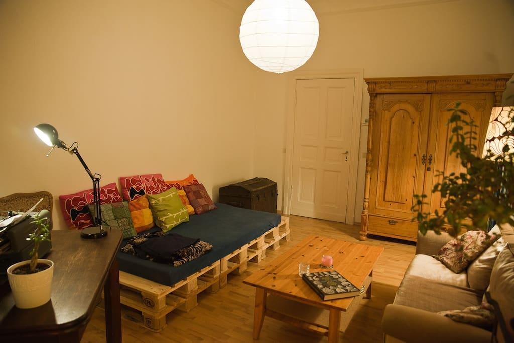 gem tliche wohnung mitten im prenzlauer berg appartements louer berlin berlin allemagne. Black Bedroom Furniture Sets. Home Design Ideas
