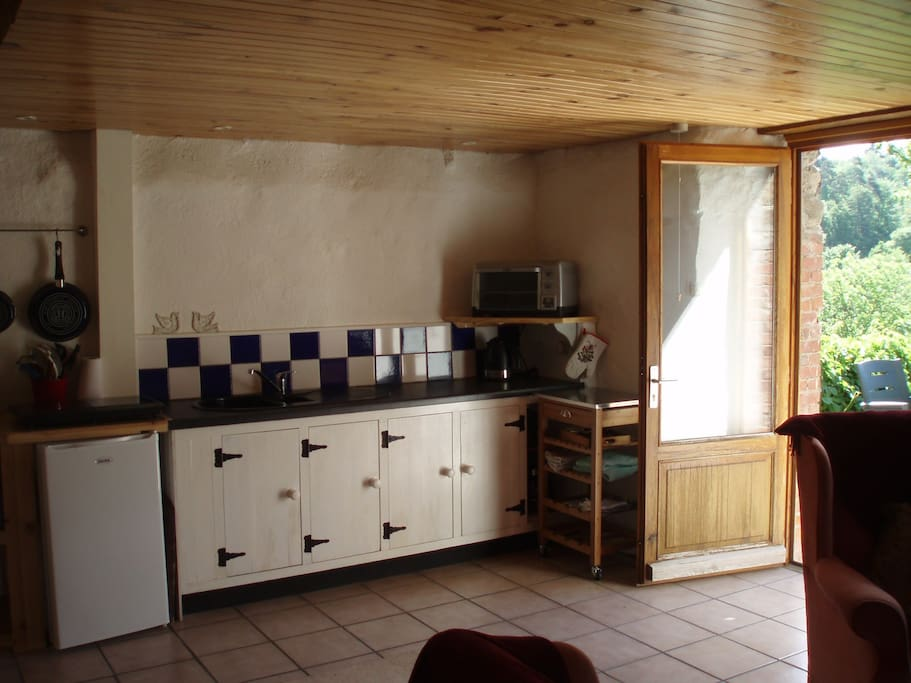 kitchen area 1