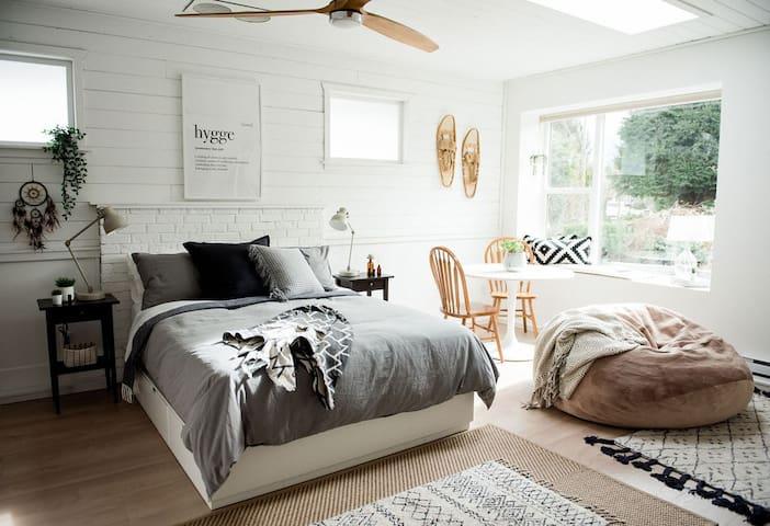 The Jovi Suite • Cozy + Private Haven in Squamish