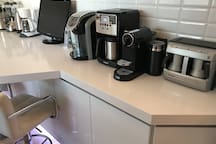 New Modern Full Kitchen with Dimmable Led Lightings, Telephone, Tv, Espresso & Coffee Machines