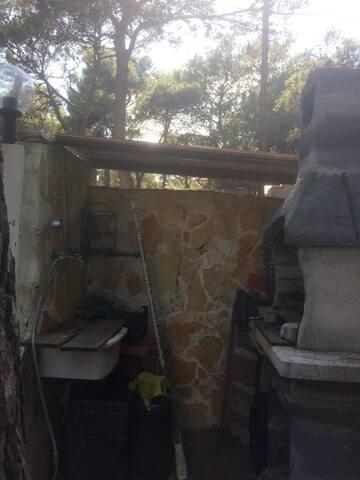 giardino (forno per barbecue,doccia esterna)