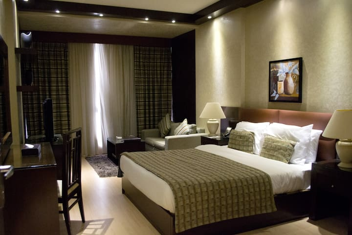 Fully Serviced Junior Suite- IS3