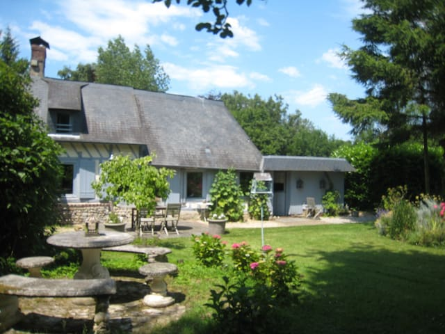 Normandy Cottage A  5MN DE HONFLEUR
