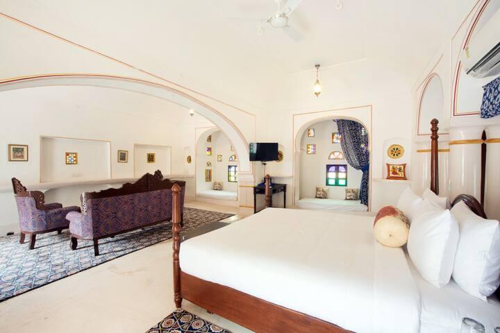 Rajputana Suite (Bara Bungalow Kalwar, Jaipur)