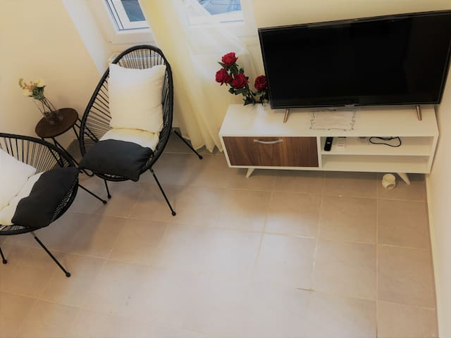 Brand new secure apartment in downtown Athens
