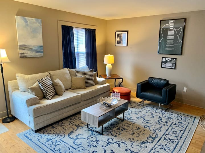 #206 Lofts - Cute and Cozy 1 Bedroom Loft