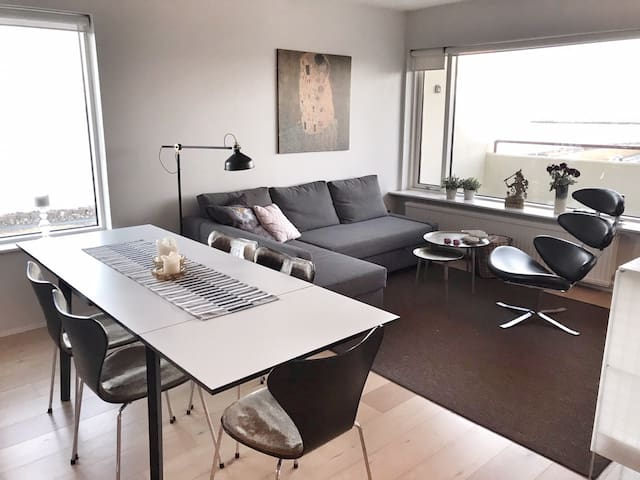 Central modern flat - amazing sea view