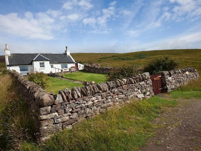 Lochend Cottage in Applecross - a beautiful Highland Cottage