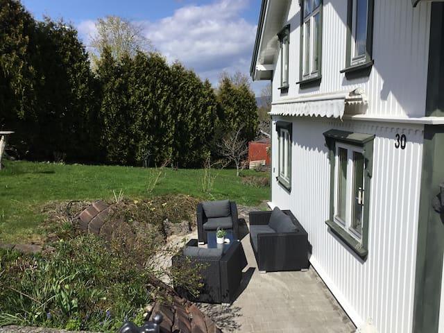 Sveitservilla sentralt i Porsgrunn Sov 3.