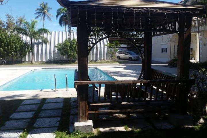 Stone Studio in Clean and Green Gated Community!! - Nassau - Appartement