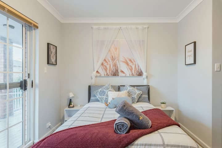 Quiet Private Room in Kingsford near UNSW, Light railway&bus 5