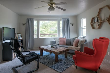 Perfect for Travelers! Close to PDX - Portland
