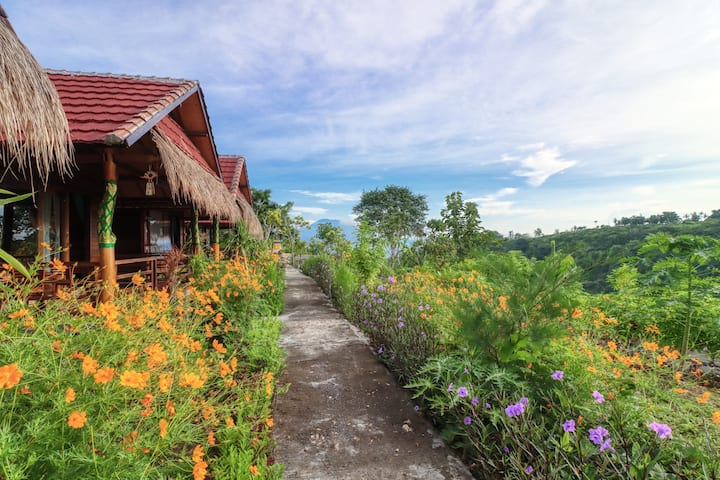 Ayu Hill Bungalows, Stay at Peaceful Hill