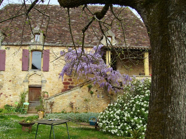 Dans la douceur des paysages de Dordogne - Sagelat - บ้าน