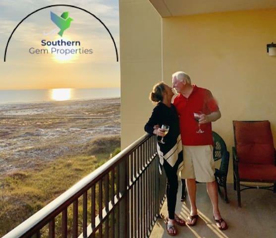 Hidden Gem: Beachfront condo at Holiday Isle!