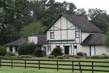 Fox Lodge at Fox Grove Farm - Ocala