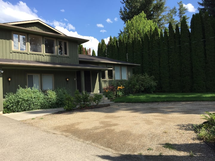 Lower Mission- 3 bdrm house, close to beaches