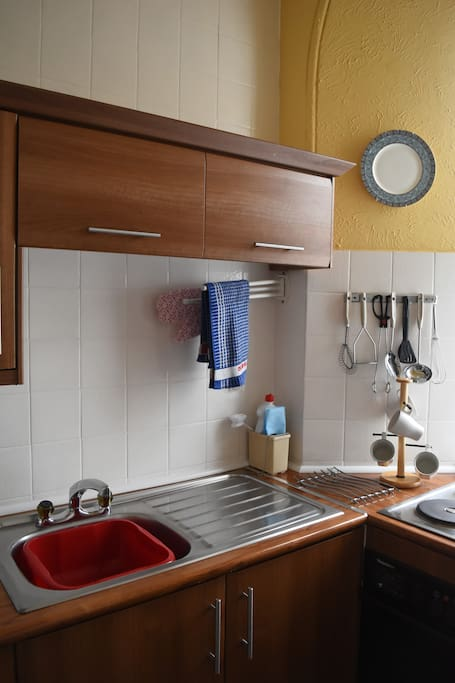 Captains Deck: Fully fitted kitchen