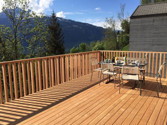 Veranda mit toller Aussicht / platform with view to the mountains