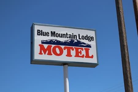 **1 Bed Weekly/Monthly/Daily at Blue Mt. Lodge**