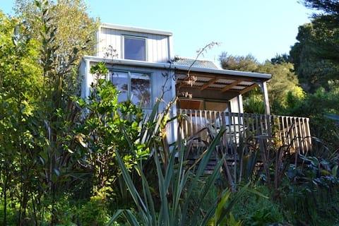 Bush Haven Chalet - Te Mata Lodge