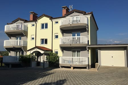 Tolle, Neubau Wohnung , 70 m2, - Finida - Apartment