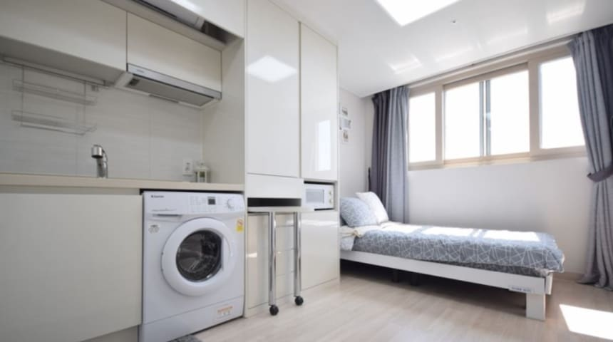 Very nice room in Suwon, nearby rodeo 1 Min.