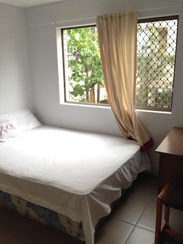 East Brisbane Double Room For Couples or singles - East Brisbane - Apartment