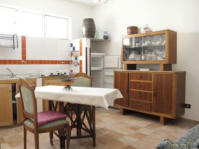 Appartamento quadruplo accogliente con giardino..