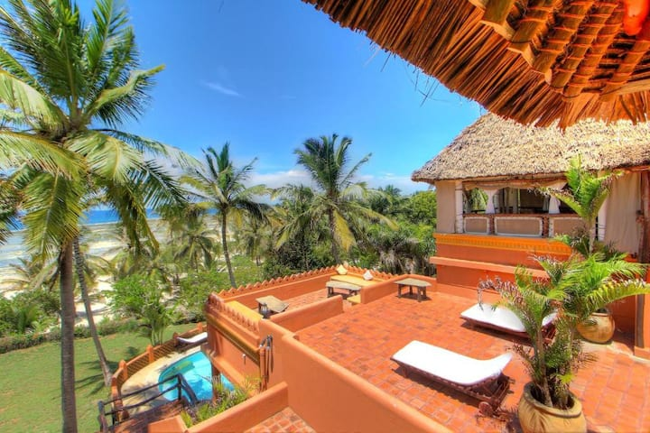 Naked Africa Penthouse Tiwi Beach (couples)