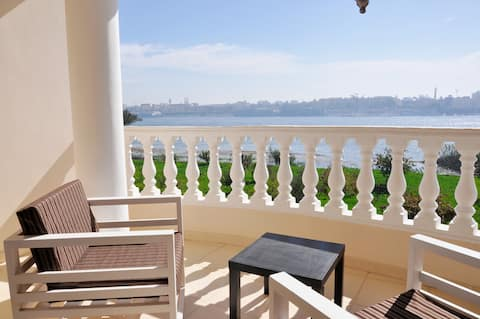 apt. on the Nile with roof terrace, chef and tours