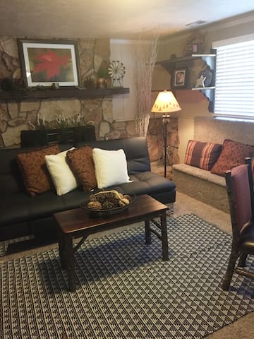 Cozy Cottonwood Heights Basement Apartment