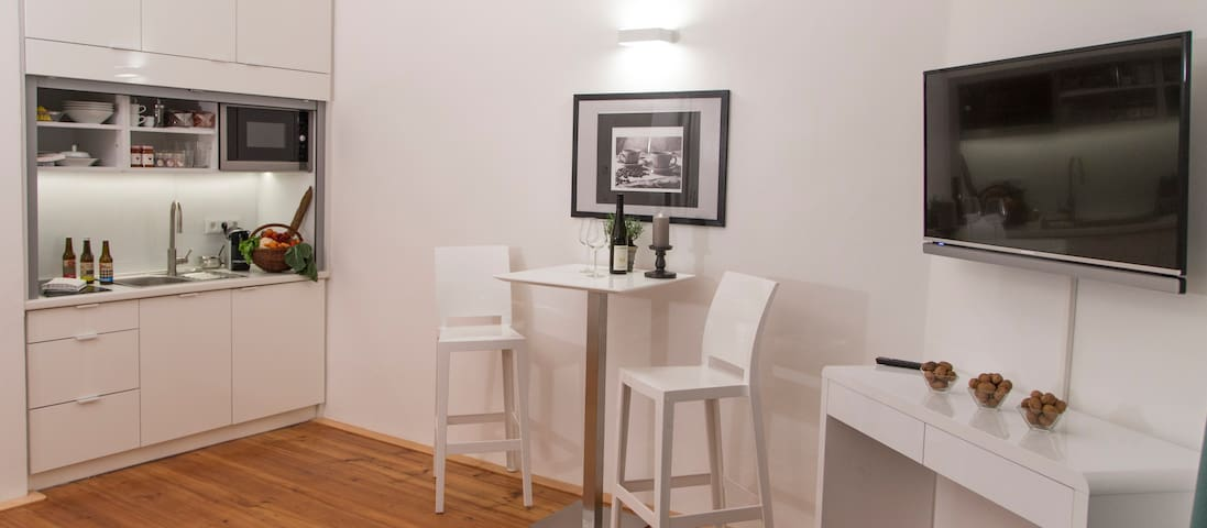 Deluxe Studio with private parking and air conditioning in the historic centre of Krems