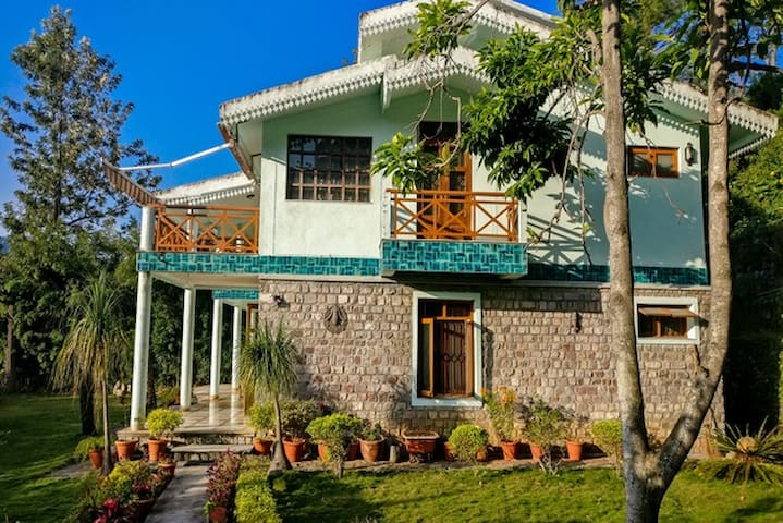 Private estate with a fruit orchard, above Bhimtal