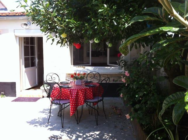 Vacances à proximité de LA ROCHELLE - Esnandes - House