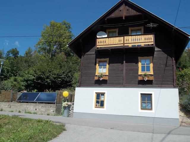 Idylisches Ferienhaus  im Kräuterdorf Irschen