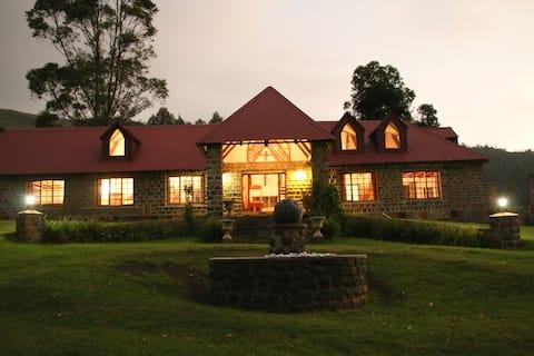 Old Furth Estate - Mountain View Lodge