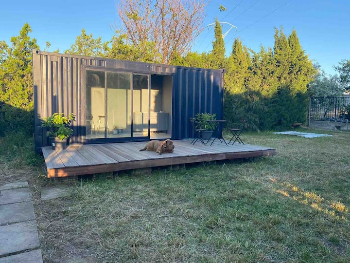 La casa de invitados, container home